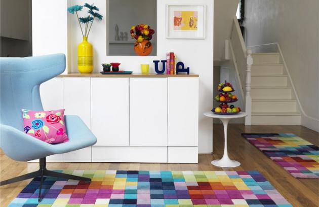 Příjemně dotvářejí atmosféru našich domovů, plní užitnou i estetickou funkci. Nové materiály garantují vyšší odolnostkobercůproti zašpinění, jejich antistatické vlastnosti či barevnou stálost. Vhodnýkoberecdnes najdete pro každou místnost a nebudete mít problém ani s jeho tvarem, materiálem či dekorem vhodným pro jakýkoliv styl interiéru.