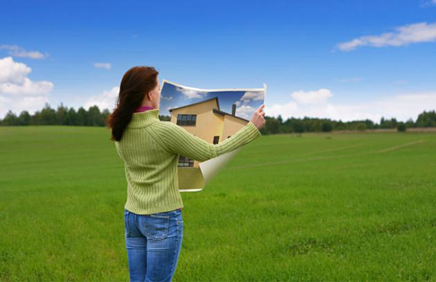 Pořízení domu je jedním zmilníků azpravidla největší investicí vživotě. Jaké máme možnosti ajaká jsou úskalí nacestě knovému domovu?