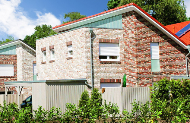 Různé barvy cihelného obkladu dům příjemně oživí