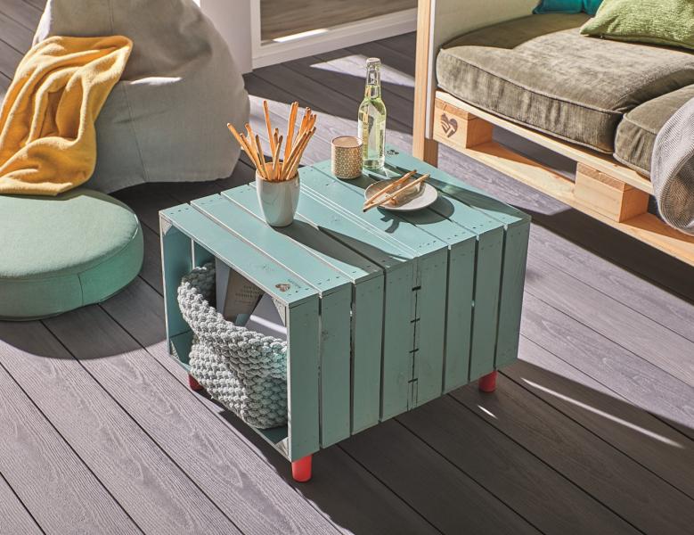 Originální a mimořádný nábytek je ten, který si člověk vyrobí sám. Právě ktomu má pomoci značka BUILDIFY. Pod tímto označení se skrývá materiál vhodný kvýrobě vlastního interiérového nebo zahradního nábytku. Může to být police postavená zdřevěných beden, zahradní posezení anebo stolek súložným prostorem. Pokud máte ale velkou fantazii, o to lépe, ztohoto materiálu je možné totiž postavit všechno.
