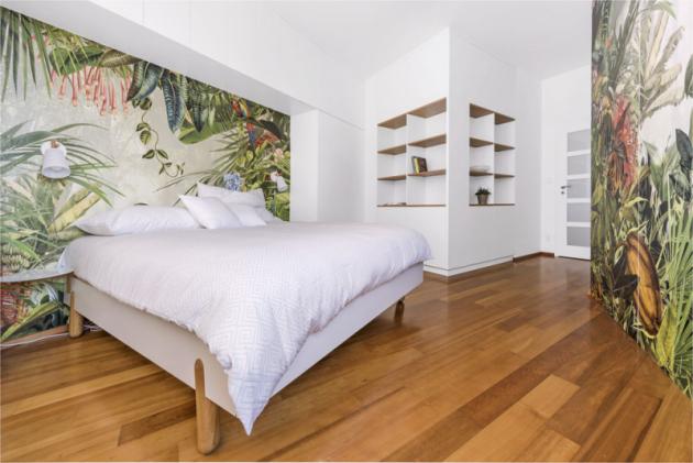 Komfortní spánek zajišťuje atraktivní lůžko Mamma (Jitona) s kulatými nočními stolky. Je doplněno stylově vhodnými lampičkami