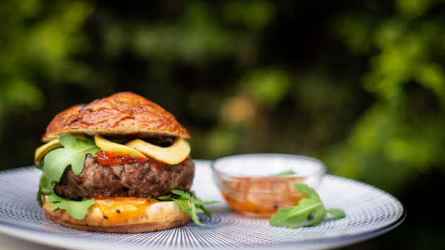 Miniburgery jsou hitem letošní sezony 2019_zdroj fotografie Kupi.cz