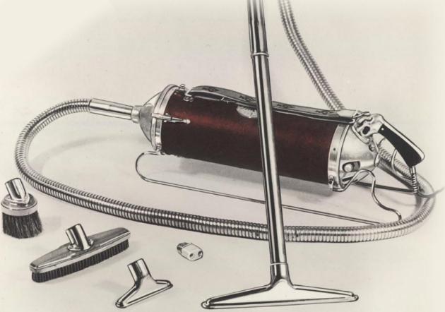 První revoluční model vysavače s označením V byl vybaven tenkými kovovými kolejnicemi, díky nimž se s ním lépe manipulovalo. Kolejnice byly inovací samotného zakladatele značky Axela Wenner Grena.