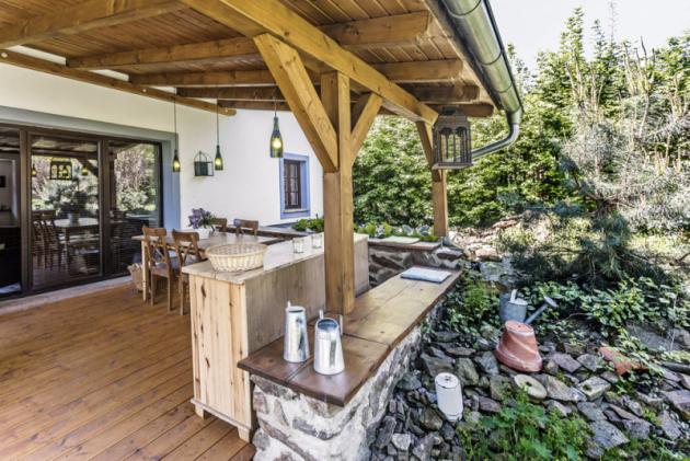 Drobné doplňky odpovídající charakteru stavby dotváří venkovskou atmosféru zemědělské usedlosti