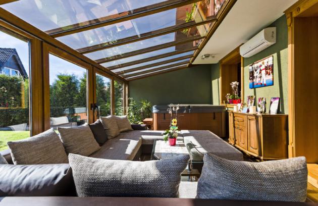 Kzasklení zimní zahrady je možné použít polykarbonát, jednoduché sklo, dvojsklo nebo bezpečností sklo, www.inoutic.cz