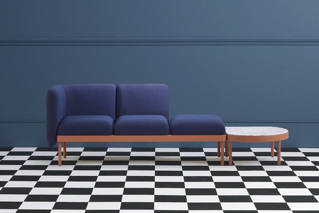 Série Mosaico značky Sancal zahrnuje taburety, lavice, lenošky akonferenční stolky, které lze libovolně vzájemně kombinovat, cena od11950Kč, www.onespace.cz