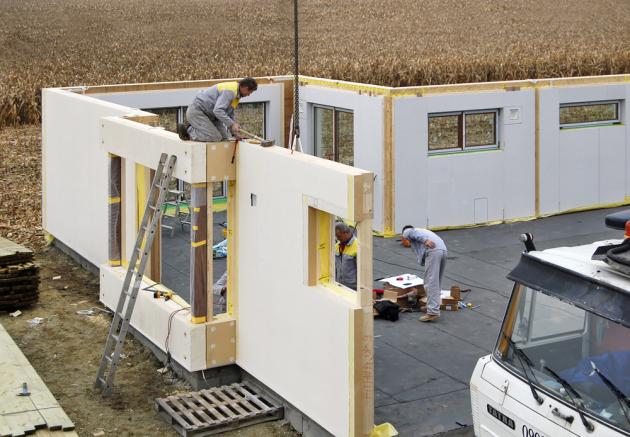 Kvalitně vyrobená asmontovaná dřevostavba má srovnatelnou životnost jako konstrukce zpórobetonu,  www.mshaus.cz