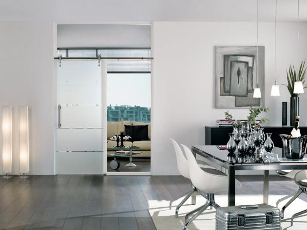 Posuvné celoskleněné dveře Prüm Duo 151-1, cena kompletu (dveře, stěna WF3, posuvný systém Art, madlo) 57570Kč, www.prum.cz