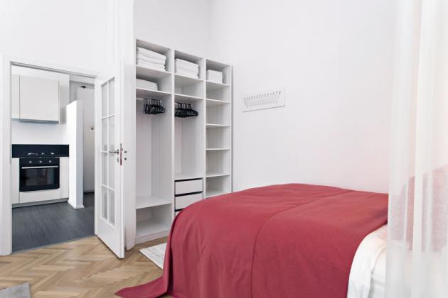 Vložnicové části pokoje našel místo úložný systém skříní zIkea