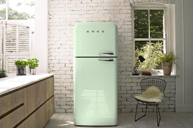 Kombinovaná chladnička s mrazničkou Smeg Linea 50's Style Retro, celkový objem 229 l, A++, cena na dotaz, www.smeg.cz