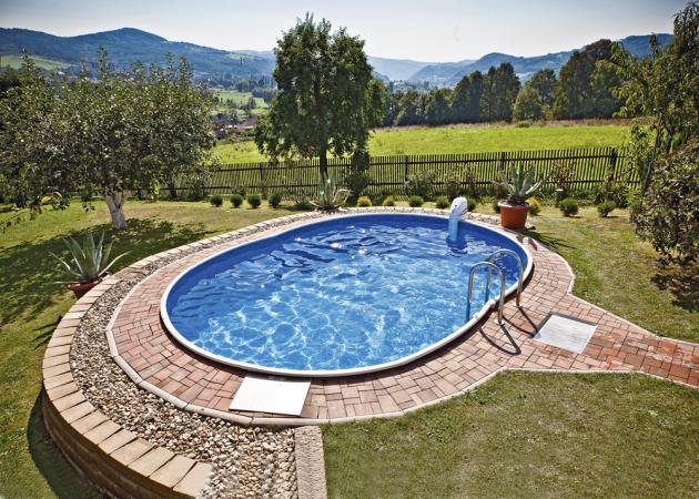 Rodinné bazény Azuro jsou vhodné nejen pro instalaci na povrchu, ale také pro částečné či úplné zapuštění do země. Cena podle rozměrů a provedení,  www.mountfield.cz