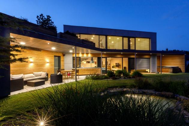 I prosklený dům může být pasivní a získat dotace Zelená úsporám (Zdroj: Petr Zikmund)