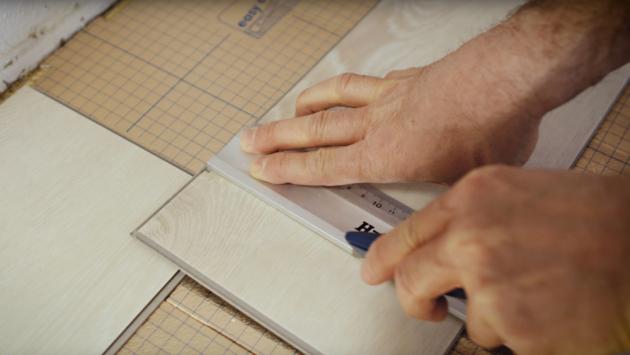 4. Řezání vinylových lamel
