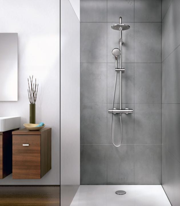 Sprchový systém Idealrain (Ideal Standard), sprchová nástěnná termostatická baterie CeraTherm, funkce  Anti-Kalk, hlavová sprcha, 3funkční ruční sprcha,  cena 14 810 Kč,  www.idealstandard.com