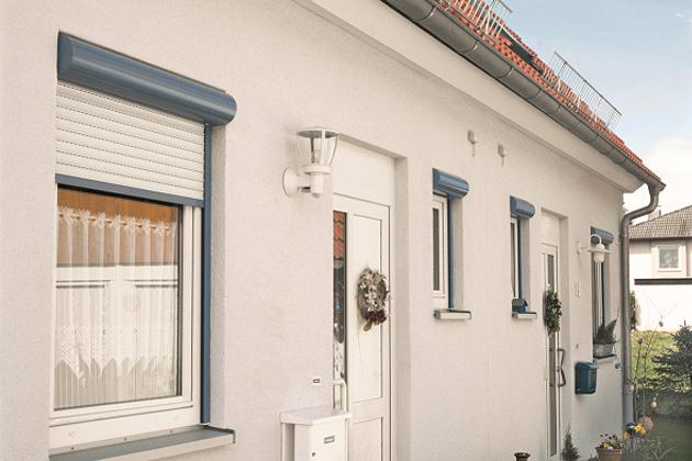 Díky exteriérové stínicí technice snížíte únik tepla okny v zimních měsících, úspora spotřeby energie činí okolo 20–25 % (zdroj: ISOTRA)