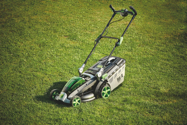 Aku sekačka na trávu for q