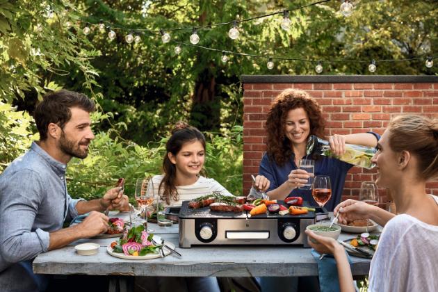 Vysoce výkonný gril pro grilování s přáteli doma i venku.