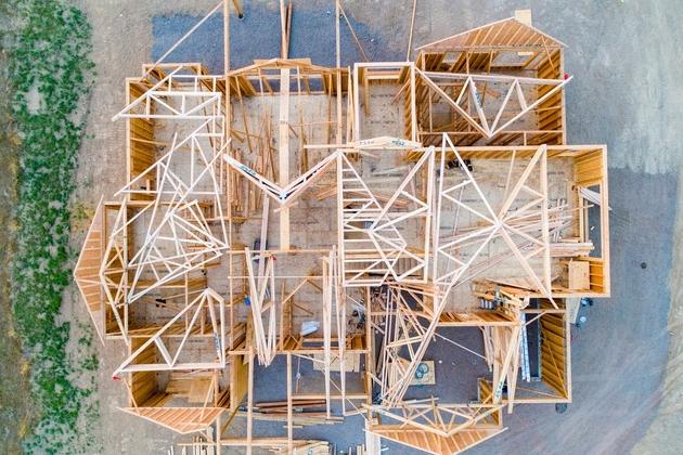 Chystáte se stavět dům? Jak celou stavbu financovat? Zdroj: Unsplash.com