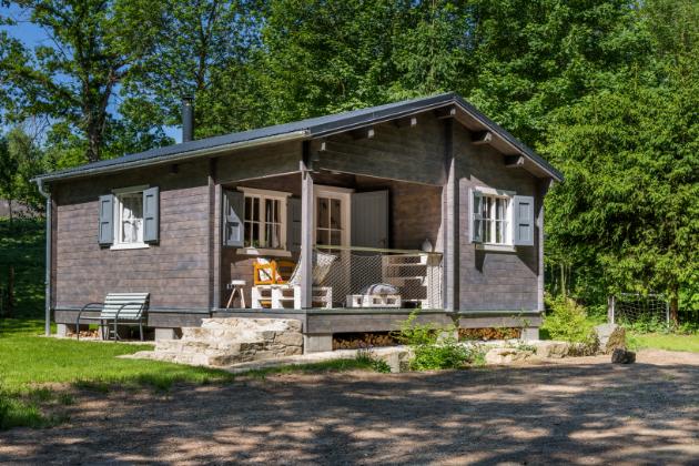Seversky vyhlížející chata je stavebnicí, na kterou bylo dřevo nařezáno ve Finsku. Šikovní majitelé si pak chatičku složili na pozemku jako lego