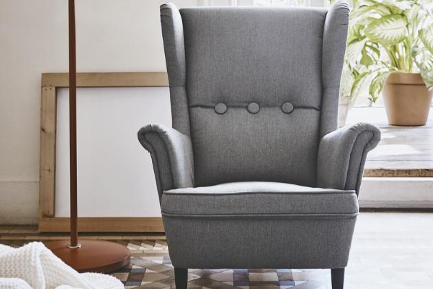 Oblíbené křeslo Strandmon vyrábí nově IKEA i ve zmenšené podobě a je určené pro děti od 3 let věku, cena 2 990 Kč, www.ikea.cz