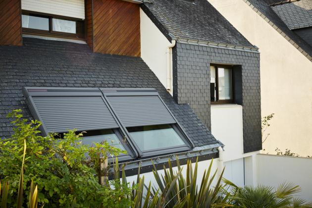Za nákup solárně poháněné venkovní rolety VELUX do 18. července dostanete zpět 2000 korun