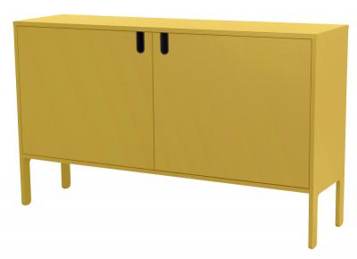 Komoda Uno má uvnitř 4 úložné police, korpus LDTD, přední plochy MDF, 89 × 148 × 40 cm, cena na dotaz, www.jena-nabytek.cz