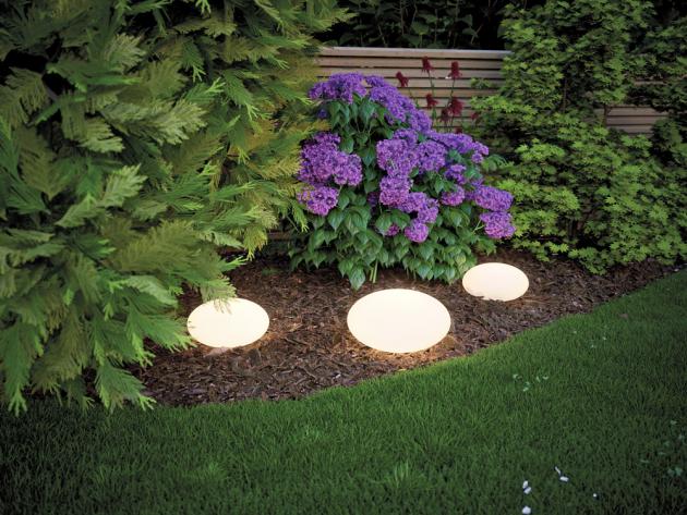 Dekorativní LED osvětlení ze série Stone (Paulmann) pro zapojení do systému Plug&Shine, O 35 cm, cena 1 781 Kč, www.60.cz
