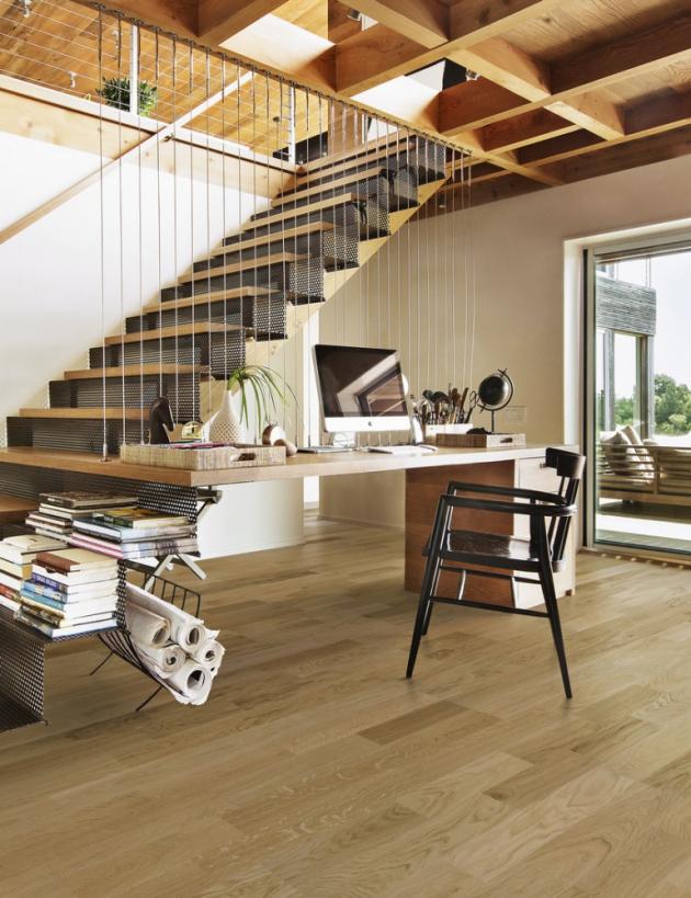 """Segmentové schodiště Skládá se zdílů (segmentů) apřizpůsobí se každému interiéru, nejčastěji se staví dotvaru """"L"""" nebo """"U"""", www.kpp.cz"""
