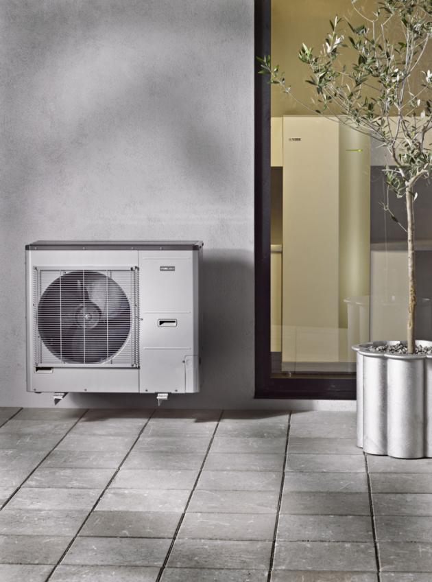 Vnitřní a vnější jednotka na evropském trhu nejprodávanějšího tepelného čerpadla AMS 10 (NIBE) systému vzduch/voda ve splitovém provedení. K dispozici čtyři varianty výkonu: 6 kW, 8 kW, 12 kW a16 kW, www.nibe.cz