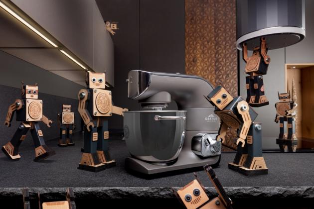 Slovo robot slaví 100 let: Limitovaná edice kuchyňských robotů ETA Gratus R.U.R. připomíná přínos bratří Čapků