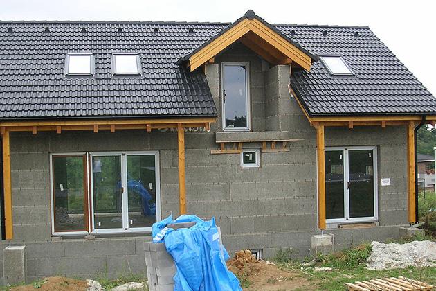 Když vás čeká rekonstrukce i stavba střechy, je nutné dobře vybírat realizátora