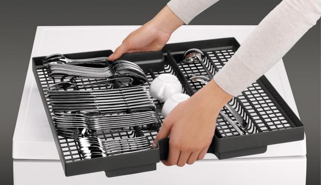 I přes důmyslné vnitřní řešení je třeba nádobí do myčky správně ukládat