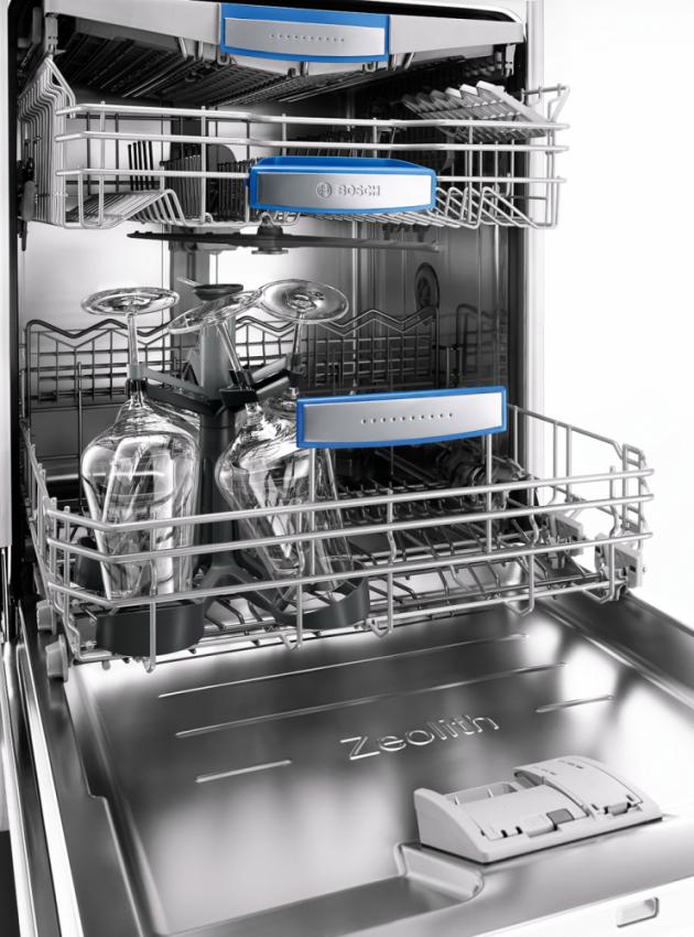 Mobilní držák zajistí stabilitu vysokých sklenic, aby se během mytí nerozbily