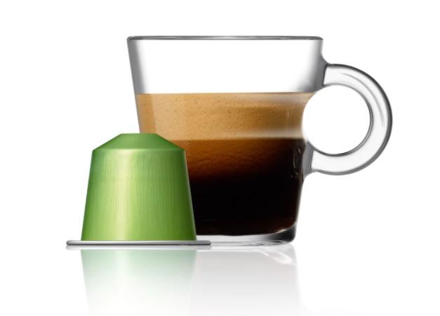Master Origin Peru Organic je jednodruhová káva, speciálně upražená tak, aby byl zvýrazněn její jemný ahedvábný charakter arozvinula se lehce ovocná exotická aroma. Každý šálek se pyšní lehounkými tóny pražených obilovin skvětinovou vůní anasládlostí.