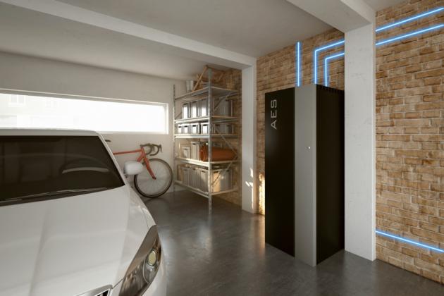 AES v garáži