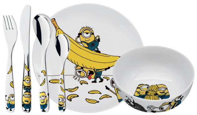 Tato dětská sada od WMF zahrnuje populární Mimoně na všech kusech příborů. Příbory jsou doplněny porcelánovou miskou a talířem. Cena: 1429 Kč