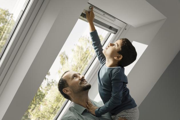 Nové okno VELUX totiž zvýšilo laťku kvality v kategorii Standard Plus a poskytuje benefity, které byly dosud doménou luxusnějších modelů.