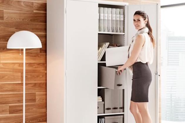 Do domácí pracovny patří správný kancelářský nábytek