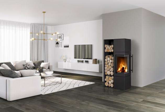 Akumulační krbová kamna ESQUINA N (Romotop) jsou vhodná pro nízkoenergetické domy, výrazné rohové sklo dvířek umožňuje intenzivnější vnímání ohně, cena 52 900 Kč, www.romotop.cz