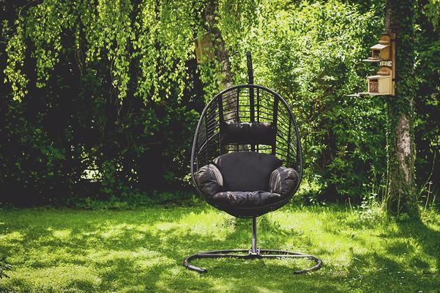 Zahradní křesla: promění vaší zahradu na perfektní místo k odpočinku