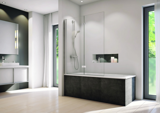 Dvoudílnou zástěnu z řady Solino SOLB2 (SanSwiss) lze umístit na každou běžnou vanu, bezpečnostní sklo s úpravou Aquaperle, cena od 10 297 Kč, www.sanswiss.cz