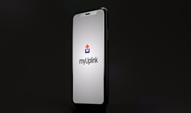 S aplikací myUplink získáte kontrolu nad svým tepelným čerpadlem z chytrého telefonu nebo z tabletu, ať jste kdekoli.