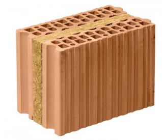 V cihle HELUZ AKU KOMPAKT 21 broušené výrobce zkombinoval cihelný střep smateriálem, který nejlépe vylepšuje požadovaný parametr – minerální vlnou.