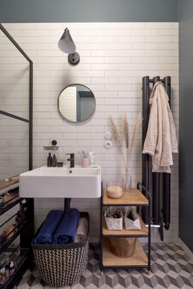 Kitchenette nás pozvala do koupelny, kterou si pomocí Bonami doplňků zařídila v moderním industriálním stylu. (foto: Bonami, Kitchenette)