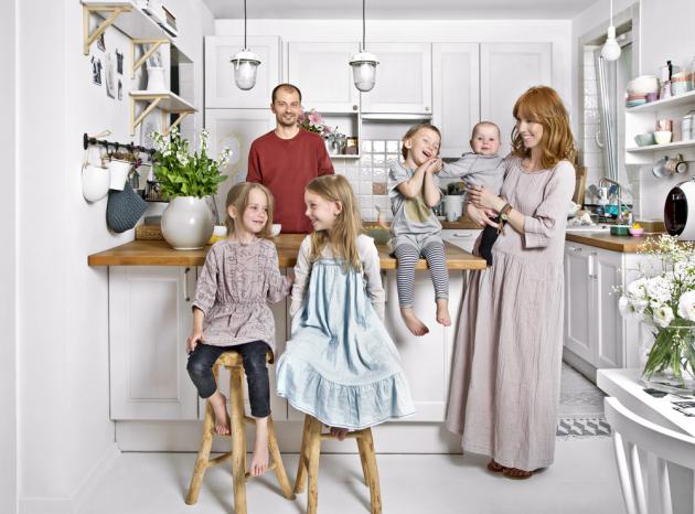 Manželé Monika s Emilem a čtyři dcery – Zoja, Bianka, Gaja a Sawa