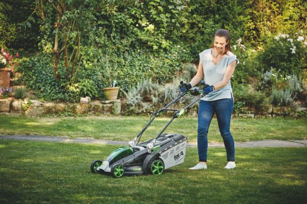 6 tipů, jak správně připravit trávník na jaro