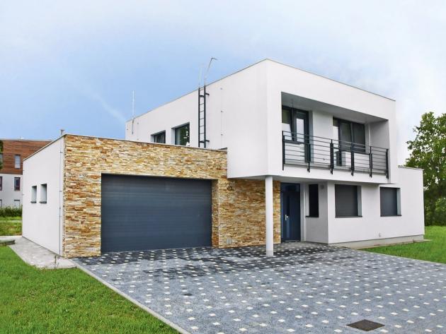 Rodinný dům ze stavebního systému Sendwix má díky velké hustotě vápenopískových bloků skvělé tepelněakumulační vlastnosti, www.kmbeta.cz