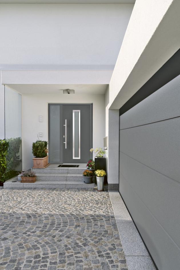 Domovní dveře Thermo65 (Hörmann) s dveřním křídlem o tloušťce 65 mm s izolační vyplní můžete mít ve třech akčních barvách a třech akčních dekorech Decograin na vnější i vnitřní straně, www.hormann.cz
