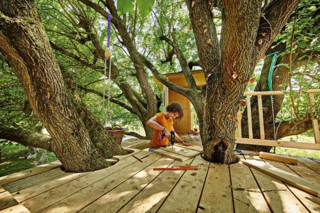 Postavte dětem domek na stromě