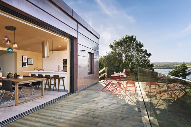 TERASY Prostorné terasy poskytují fantastický výhled a rozšiřují interiér domku o cennou užitnou plochu
